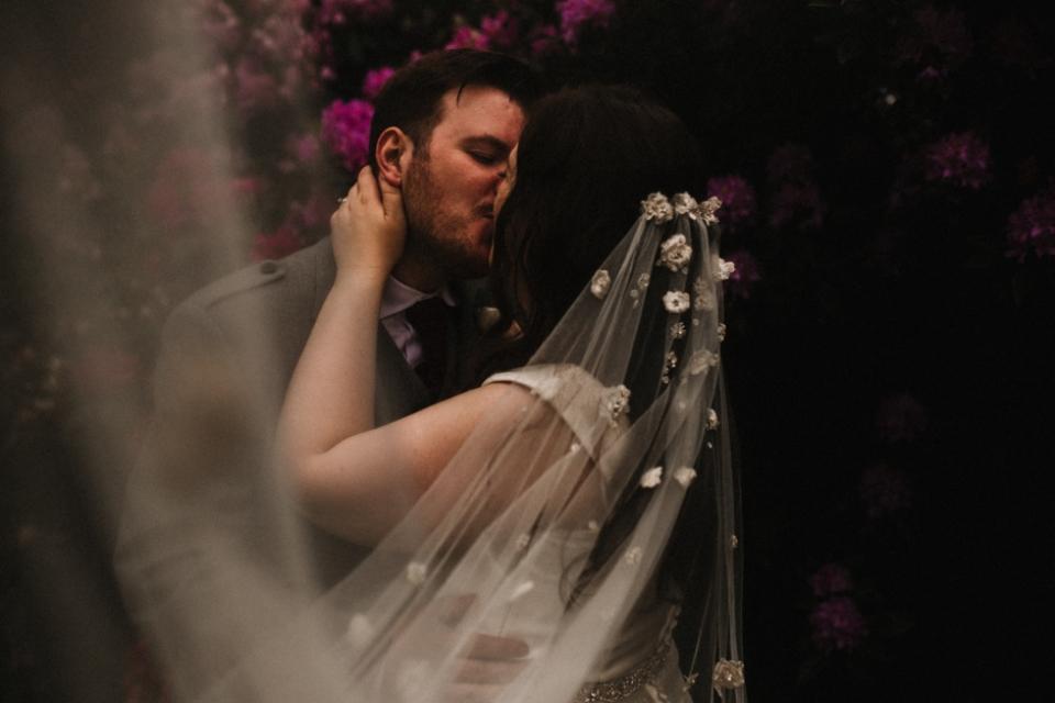 beautiful wedding veil romantic wedding photography