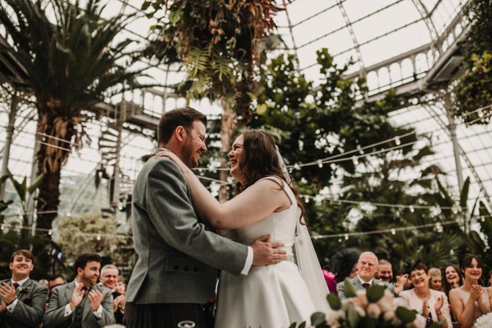 first kiss liverpool botanical wedding