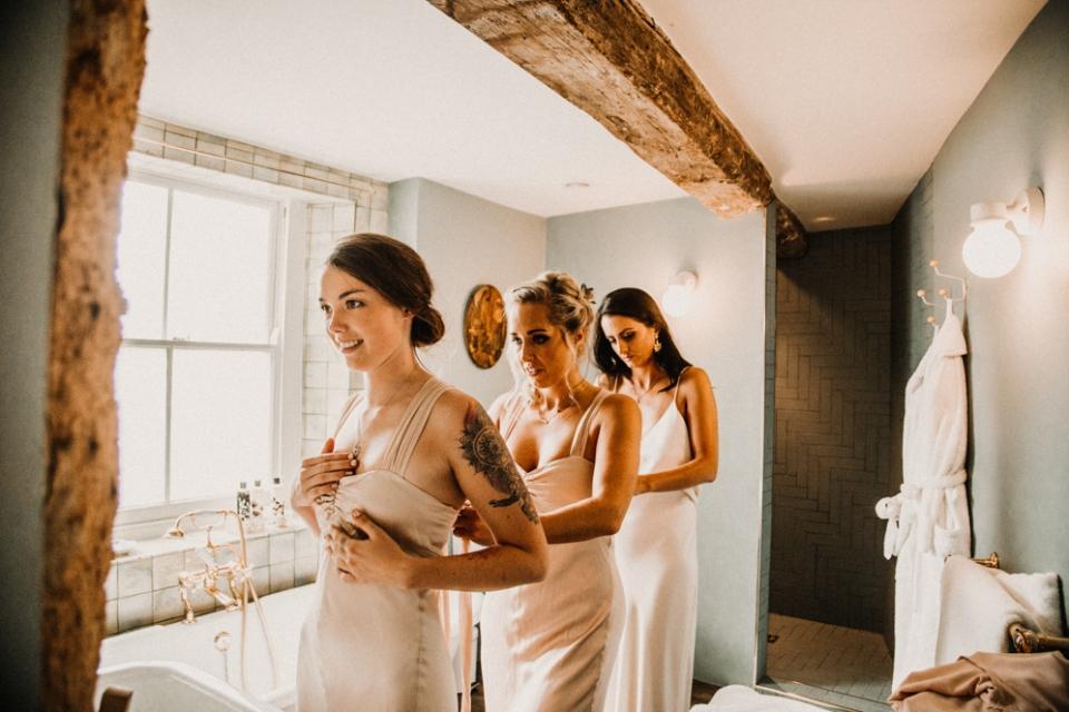 bride party in bathroom at Merris court