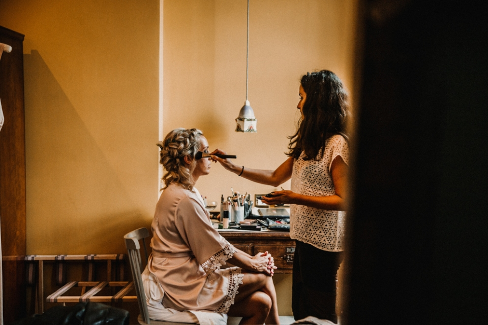 BRIDEL SUITE MERRIS COURT WEDDING PHOTOGRAPHY