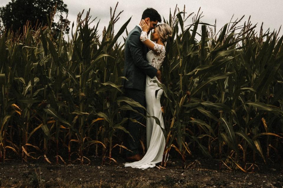 Sandhole Oak barn wedding photography - Vanessa and Oli