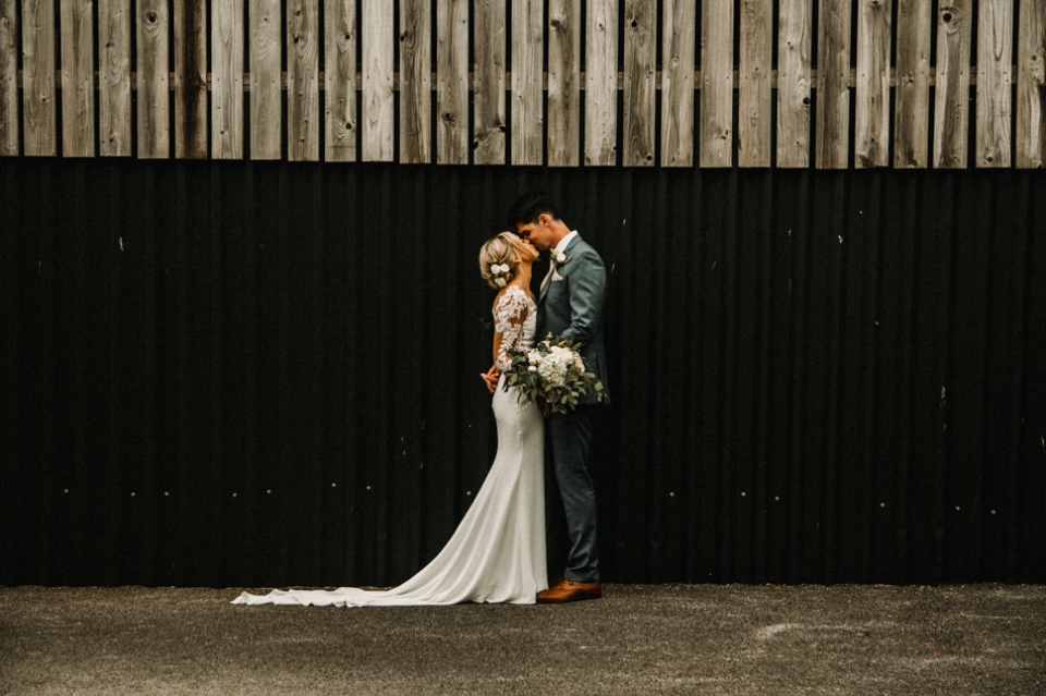 sandhole oak barn knutsford , manchester wedding photography