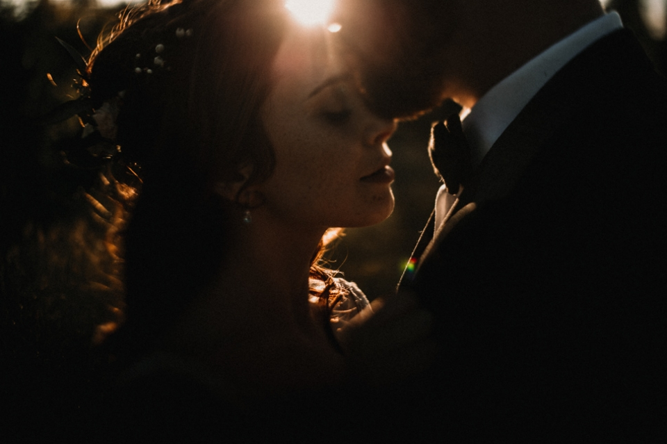 harsh sunlight and wedding at Hever Castle , kent wedding photography