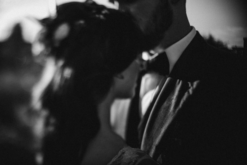 black and white Hever castle wedding portraits